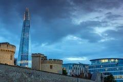 LONDRES, ANGLETERRE - 15 JUIN 2016 : Panorama avec la tour de Londres et du tesson, Londres, Angleterre Photos libres de droits