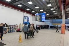 LONDRES, ANGLETERRE - 29 SEPTEMBRE 2017 : Intérieur de région de départ d'aéroport de Luton Londres, Angleterre, Royaume-Uni Images libres de droits