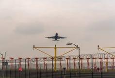 LONDRES, ANGLETERRE - 25 SEPTEMBRE 2017 : Voies aériennes Boeing de British Airways 747 G-BYGB décollant dans l'International Air Images libres de droits
