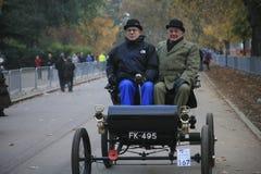 Londres ao funcionamento do carro do veterano de Brigghton Imagens de Stock Royalty Free
