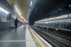 Londres au fond par nuit Photos stock
