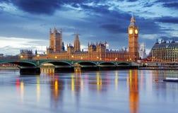 Londres - ben grande y casas del parlamento, Reino Unido imágenes de archivo libres de regalías