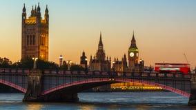 Londres, Big Ben e casas do parlamento no crepúsculo Imagem de Stock Royalty Free