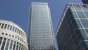 Londres Canary Wharf, prédios de escritórios no distrito financeiro, arranha-céus filme
