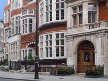 Londres, casas urbanas elegantes fotos de archivo libres de regalías