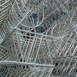 LONDRES - 20 DE DICIEMBRE: Nueva escultura del Forever del Ai Weiwei fuera de Lond imagen de archivo libre de regalías