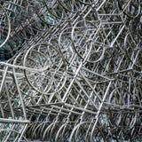 LONDRES - 20 DE DICIEMBRE: Nueva escultura del Forever del Ai Weiwei fuera de Lond imagen de archivo