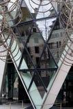 LONDRES - 20 DE DICIEMBRE: Nueva escultura del Forever del Ai Weiwei fuera de Lond fotos de archivo libres de regalías