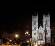 LONDRES - 20 DE DICIEMBRE: Vista de la abadía de Westminster en la noche en Lond Imágenes de archivo libres de regalías
