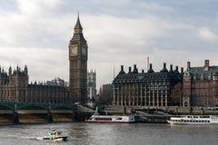 LONDRES - 27 DE ENERO: La policía lanza último Big Ben que acciona en Lon Fotografía de archivo libre de regalías