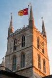 LONDRES - 27 DE ENERO: Sol de la tarde que brilla en la catedral de Southwark Fotografía de archivo libre de regalías