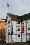 LONDRES - 27 DE ENERO: Teatro del globo en el Southbank en Londres o Imágenes de archivo libres de regalías