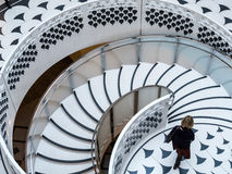 LONDRES - 3 DE FEBRERO: Tate Britain Spiral Staircase en Londres encendido Foto de archivo libre de regalías
