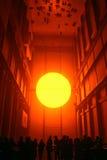 Londres - 21 de janeiro de 2004: O projeto do tempo de Eliasson, que Foto de Stock Royalty Free