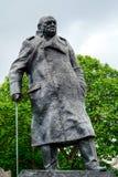 LONDRES - 30 DE JULHO: Estátua de Winston Churchill em Londres em julho Imagens de Stock