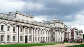LONDRES - 30 DE JULIO: Vista del museo marítimo de Greenwich en Lond Fotos de archivo