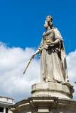 LONDRES - 25 DE JUNHO: Estátua fora da catedral de St Paul em Londres Imagem de Stock Royalty Free