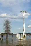 LONDRES - 25 DE JUNHO: Vista do teleférico de Londres sobre o rio T fotos de stock royalty free