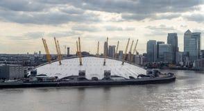LONDRES - 25 DE JUNIO: Vista del edificio O2 en Londres el 25 de junio, foto de archivo libre de regalías