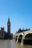 LONDRES - 13 DE MARÇO: Vista de Big Ben e as casas do parlamento mim Fotografia de Stock Royalty Free
