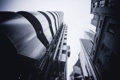 LONDRES - 21 DE SEPTIEMBRE: El edificio de Lloyds con Willis Building Imagen de archivo libre de regalías