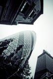 LONDRES - 21 DE SEPTIEMBRE: 30 St Mary Axe, suiza con referencia a, pepinillo Fotos de archivo
