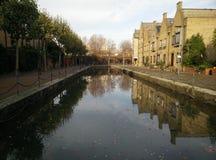 Londres e a água foto de stock royalty free