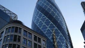 Londres Edificios viejos y modernos metrajes