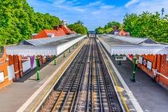 Londres, el Reino Unido de Gran Bretaña: Estación de tren colorida de Londres Imagen de archivo