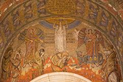 LONDRES, GRÂ BRETANHA - 17 DE SETEMBRO DE 2017: O mosaico do último julgamento simbólico na catedral de Westminster Imagem de Stock Royalty Free