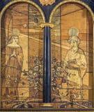 LONDRES, GRÂ BRETANHA - 16 DE SETEMBRO DE 2017: A pintura do aviso na madeira no altar na igreja em St Clement Danes imagem de stock royalty free