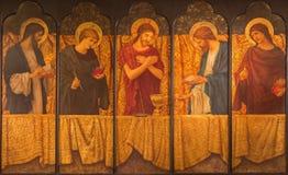 LONDRES, GRÂ BRETANHA - 15 DE SETEMBRO DE 2017: A pintura de Jesus com os símbolos da massa entre o evangelista quatro foto de stock