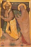 LONDRES, GRÂ BRETANHA - 17 DE SETEMBRO DE 2017: A reunião de Jesus sua mãe como a estação da cruz na igreja de St James Imagens de Stock