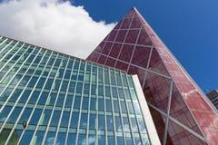 LONDRES, GRAN BRETAÑA - 13 DE SEPTIEMBRE DE 2017: El alto edificio de la calle 160 de Victoria Fotos de archivo libres de regalías