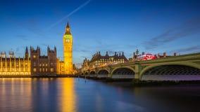 Londres, Inglaterra - Ben Clock Tower grande y casas de Parliame Fotografía de archivo libre de regalías