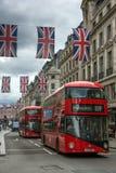 LONDRES, INGLATERRA - 16 DE JUNHO DE 2016: Nuvens sobre Regent Street, cidade de Londres, Inglaterra Fotografia de Stock Royalty Free