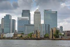 LONDRES, INGLATERRA - 17 DE JUNIO DE 2016: Canary Wharf ve de Greenwich, Londres, Gran Bretaña Fotografía de archivo libre de regalías