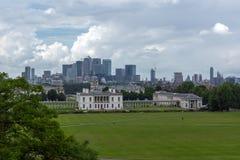 LONDRES, INGLATERRA - 17 DE JUNIO DE 2016: Panorama asombroso de Greenwich, Londres, Reino Unido Imagen de archivo