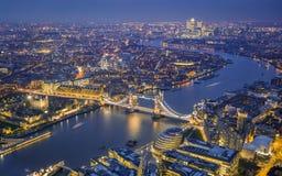 Londres, Inglaterra - opinião aérea da skyline de Londres Imagem de Stock