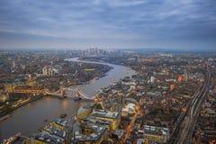 Londres, Inglaterra - opinión aérea del horizonte de Londres Fotos de archivo libres de regalías