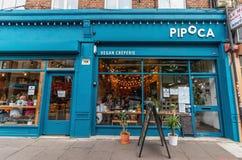 Londres - 15 juin 2019 - creperie de vegan de Pipoca et entrée de rebut zéro de magasin dans Brixton photographie stock libre de droits