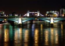 Londres la nuit Photos libres de droits