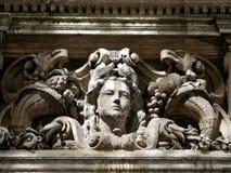 Londres : la tête de la femme en pierre néoclassique photographie stock libre de droits
