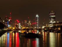 Londres la Tamise, secteur de pont de Lambeth regardant vers les sud, août photo stock