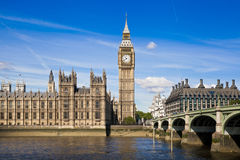 LONDRES, le R-U - 24 juin 2014 - Big Ben et Chambres du Parlement Photo stock