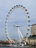 LONDRES - 19 MARS : Vue de l'oeil de Londres le 19 mars 2014 dedans Photo libre de droits