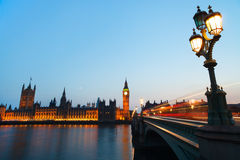 Londres na noite Imagens de Stock