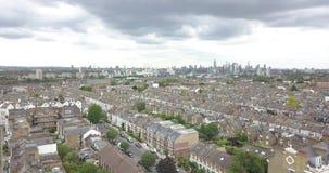 Londres, o Reino Unido, Grâ Bretanha, Inglaterra, parque comum de Clapham, aéreo, metragem do zangão video estoque