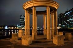 Londres par nuit image stock