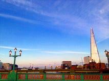 Londres por pontes Fotografia de Stock Royalty Free